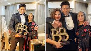 Sidharth Shukla enjoys his win in Big Boss 13 with his family - HungryBoo